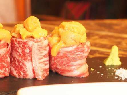 うにと牛肉が舌の上でトロける!異国情緒あふれるバルで最高の肉体験