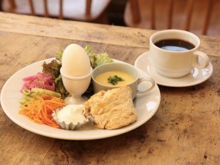 神戸のモーニングは話題の店へ。食の専門家が作る絶品プレート
