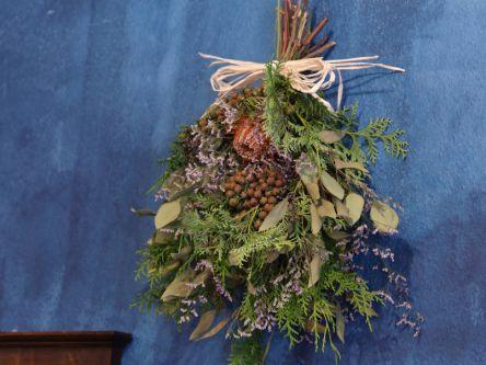 花の壁飾り「スワッグ」が自分好みに作れる!浅草のフラワーショップ「アンヴェール」
