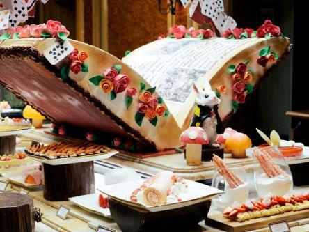 昨年は3万人超が来店!ザ・リッツ・カールトン大阪のフォトジェニック過ぎるいちごビュッフェ