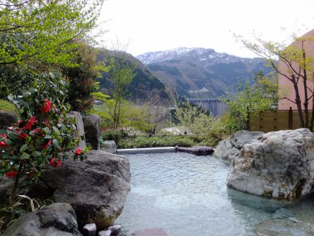 富山県の日帰り温泉・スパ7選!!露天風呂や源泉かけ流しなどおすすめ癒しスポットを紹介