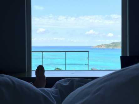 【村上萌が提案する30歳からの #週末野心 vol.3】暮らすように沖縄を旅したい