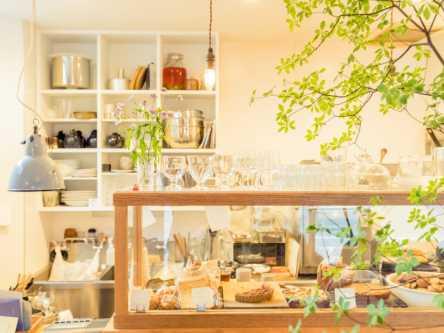 金町のカフェで出会える、季節感満載のデザートと作家モノ雑貨が気になる
