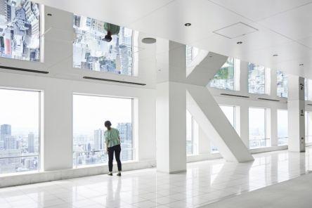 25周年で大リニューアル!「梅田スカイビル」の展望台で非日常を体感