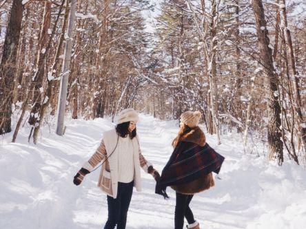 まるで絵本の世界。「つくつく村」で冬を楽しむステイ体験【YURIEの週末ソトアソビ vol.8】