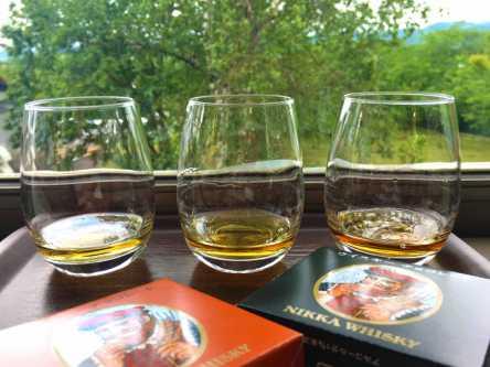 試飲もガイドツアーも無料!世界が認めるウイスキーを楽しむ大人の工場見学